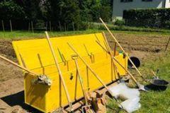 Coffret à outils du jardin de l'association Herbes-Vives
